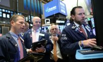 Global Stocks, Yields Fall as Investors Seek Safety After Trump's China Tariff Threats