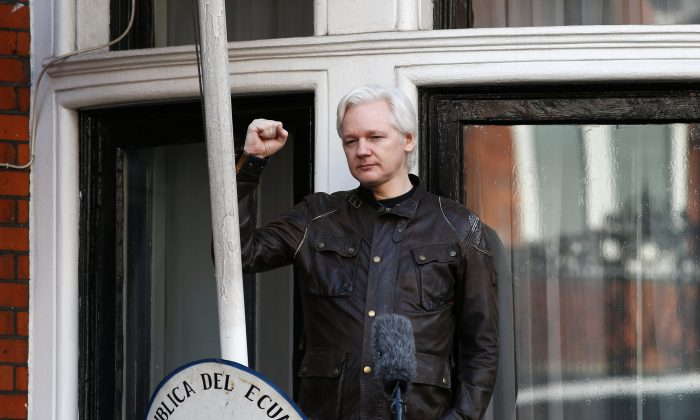 Wikileaks founder Julian Assange speaks on the balcony of the Embassy of Ecuador in London, Britain, on May 19, 2017. (Neil Hall/Reuters)