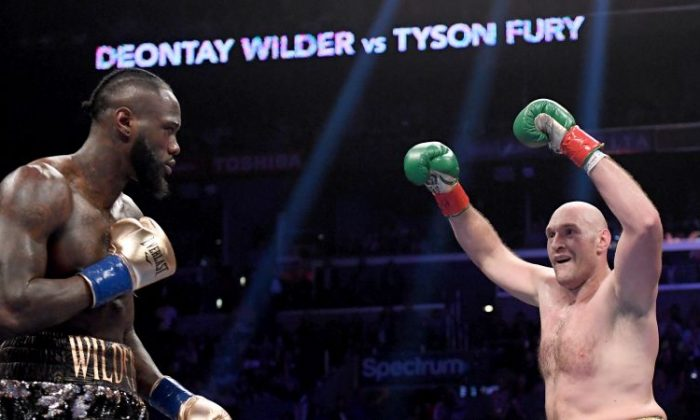 Tyson Fury baits Deontay Wilder in the second round, fighting to a draw during the WBC Heavyweight Champioinship at Staples Center on Dec. 1, 2018 in Los Angeles.  (Harry How/Getty Images)