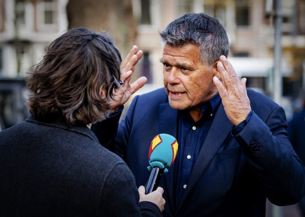 Emile Ratelband talks to journalist