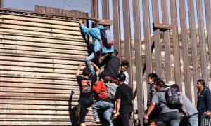 Honduran Migrant Calls Giving Birth After Climbing Over Border Fence 'Big Reward'