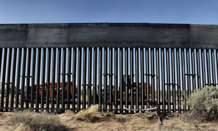 A section of the border wall under construction on the border between Ciudad Juarez, Chihuahua state, Mexico and Santa Teresa, New Mexico state, United States, on April 17, 2018.  (HERIKA MARTINEZ/AFP/Getty Images)