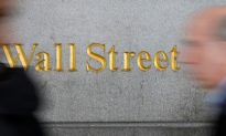 Wall Street Rally Pauses, but Stocks Mint Weekly Gain