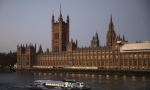 UK Lawmakers Defy Government to Keep Door Open to Exit From Brexit