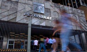 Glencore, Trafigura, Vitol Bribed Petrobras Staff: Brazil Prosecutors