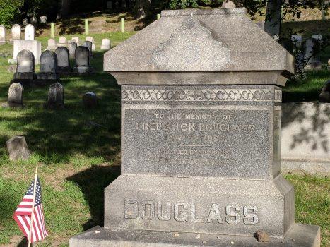 Frederick_Douglass_gravestone