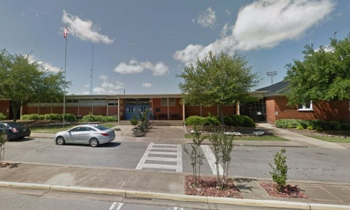 McKenzie told teachers at  U.S. Jones Elementary School in Demopolis, Alabama, and she also told the school's assistant principal about the alleged bullying. (Google Street)