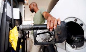 Average US Gas Price Falls to Under $2.25 per Gallon