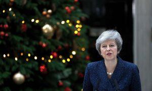UK Leader May Defies Leadership Revolt, Warns Brexit in Peril