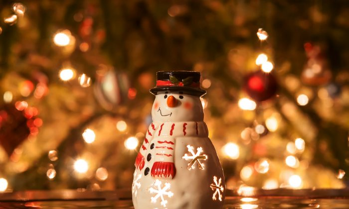 Christmas spending will put 1 out of 4 Britons in debt. ( Daniel Tannenbaum)