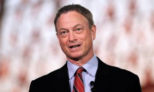 Gary Sinise Just Flew 1,000 Children of Fallen Soldiers to Disney World