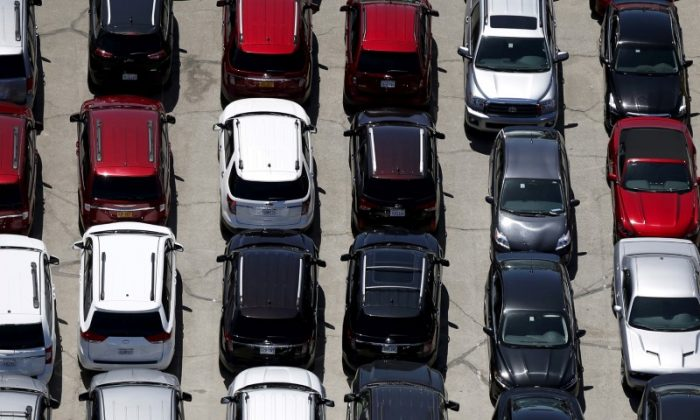 Cars are seen in a parking lot in Palm Springs, California, U.S. on April 13, 2015. (Lucy Nicholson/Reuters)