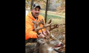 Illinois Hunter Kills Deer, May Be the Largest Ever Shot in United States