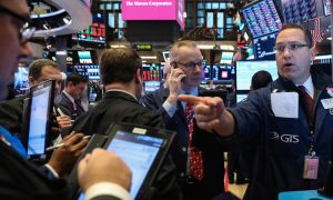S&P 500 Hits 14-month Low on Economic Jitters Ahead of Fed Meeting