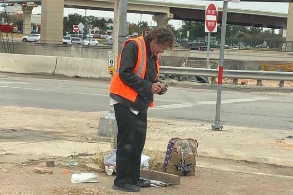 Money given to homeless man in Texas