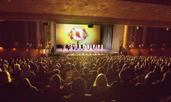 Chief Medical Officer Gives Shen Yun '5 out of 5'