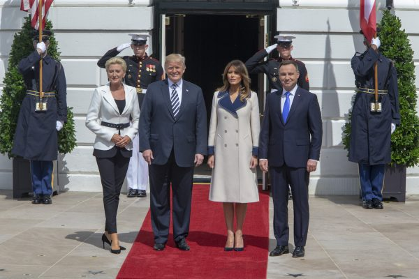 Trump and Melania welcome Polish president and his wife to the White House.