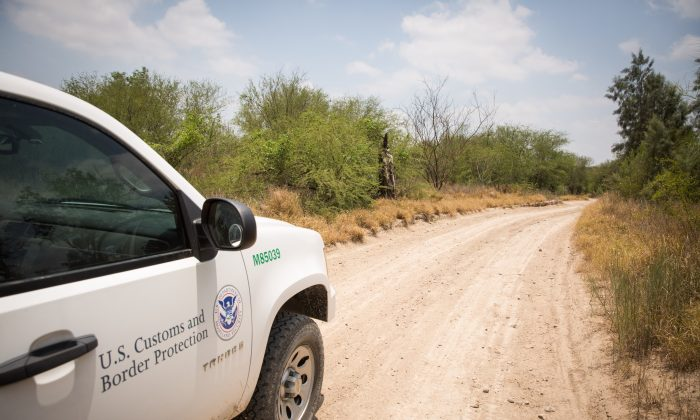 A Customs and Border Protection vehicle in the desert in Hidalgo County, Texas, on May 26, 2017. (Benjamin Chasteen/The Epoch Times)