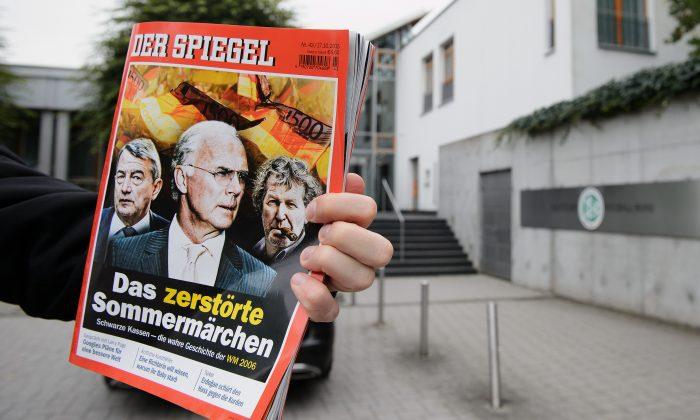 Der Spiegel magazine is held up in Frankfurt, Germany, on Oct. 17, 2015. (Matthias Hangst/Getty Images)