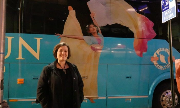Reporter Says Shen Yun Draws Upon Universal Themes