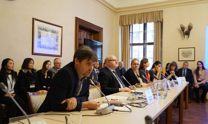 A public hearing on the repression of the Falun Gong spiritual movement in China held at Wallenstein Palace, Senate of the Parliament of the Czech Republic on Nov. 19, 2018. (Jiří Chlebníček/The Epoch Times)