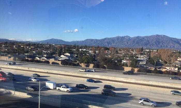 The San Bernardino Freeway, Interstate 10, near Rosemead, Calif., on Dec. 27, 2018. (Zach Li/The Epoch Times)
