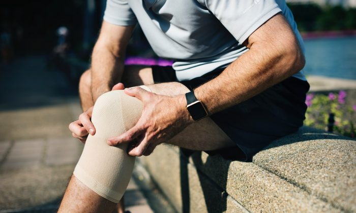 Rates of knee replacement surgeries have skyrocketed, with younger patients now undergoing the procedure with questionable, and sometimes dangerous, results. (rawpixel/Unsplash)