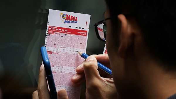 One person won a $425 million Mega Millions jackpot