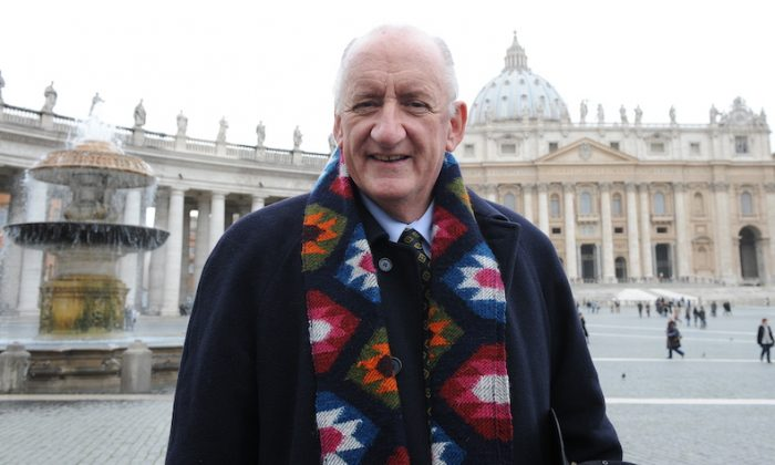 Tim Fischer, a former Australian deputy Prime Minister during the Howard Government, in front of St Peter's Basilica on Feb. 19, 2010. (Andreas Solaro/AFP/Getty Images)