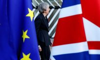 """UK Plans Rehearsals for """"No-Deal"""" Brexit Amid Fears of Road, Port Chaos"""