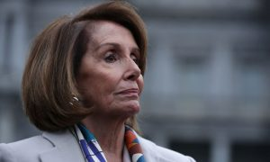 Veteran Who Started Border Wall GoFundMe Tries to Meet With Nancy Pelosi
