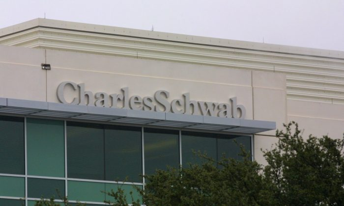 Charles Schwab building in Austin, Texas on Jan. 12, 2001. (Joe Raedle/Newsmakers)