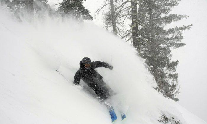 Wesley Kepke skis in Alpine Meadows, Calif., on Jan. 6, 2019. (Blake Kessler/AP)