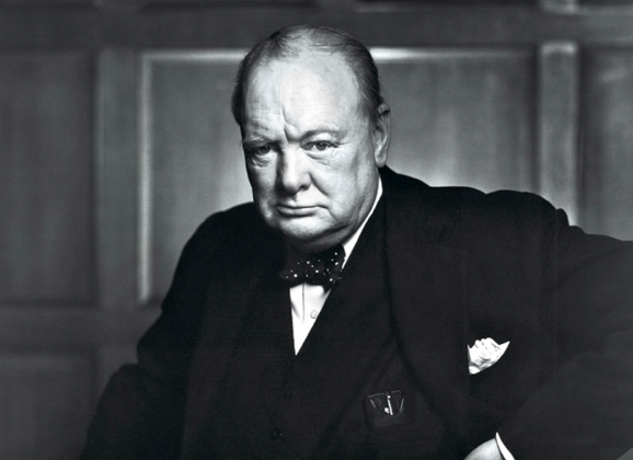 Portrait of Winston Churchill by Yousuf Karsh. (LIBRARY AND ARCHIVES CANADA, E010751643)