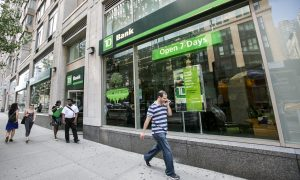 Banks Offer Help to Customers Hit by Government Shutdown