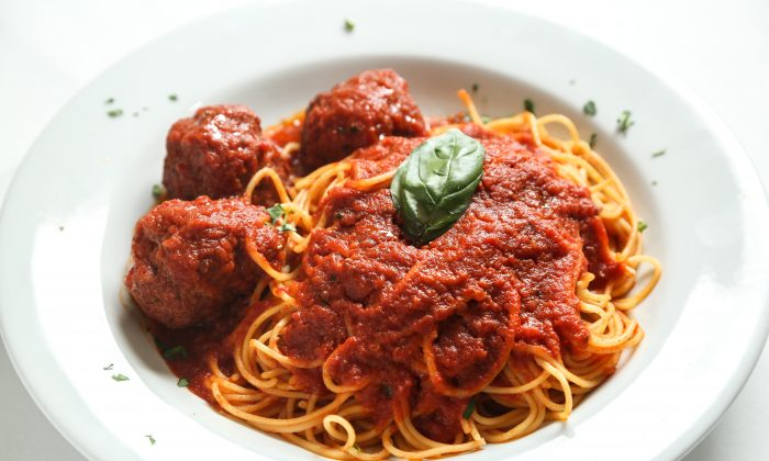 Spaghetti and meatballs. (Samira Bouaou/The Epoch Times)