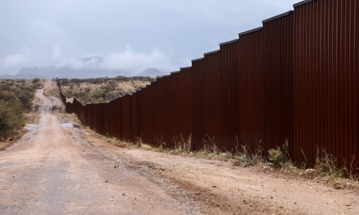 The border fence between the United States and Mexico just east of Sasabe, Arizona, on Dec. 7, 2018. (Charlotte Cuthbertson/The Epoch Times)