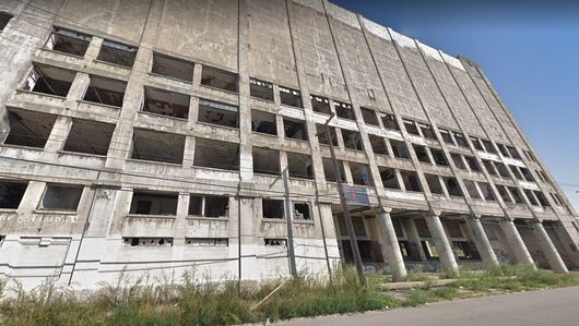 An abandoned factory in Detroit, Michigan was the site of a death when a 21-year-old man playing hide-and-seek with friends on Jan. 12, 2019, fell to his death. (Google Maps)