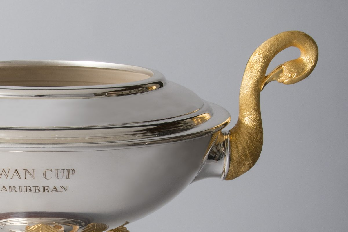 Swan cup in sterling silver and gold
