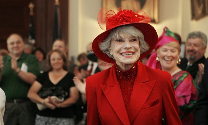 Singer and actress Carol Channing in Concord, N.H. Channing, whose career spanned decades on Broadway and on television has died at age 97. Publicist B. Harlan Boll says Channing died of natural causes in Rancho Mirage, Calif., early on Jan. 15, 2019. (Jim Cole/AP Photo, File)