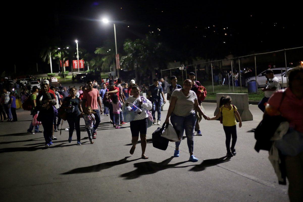 hondurans leave in new caravan