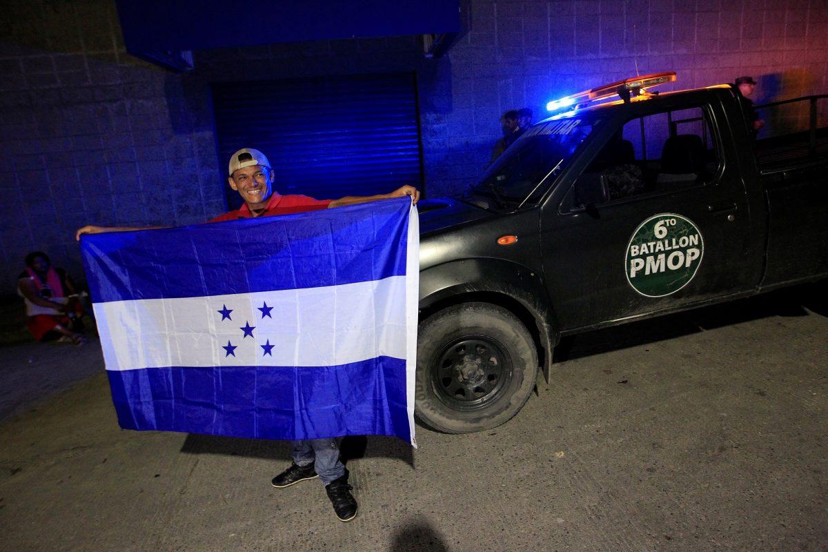 New migrant caravan departs