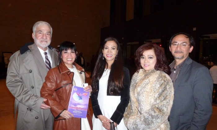 Houston Theatergoers Uplifted, Shen Yun Continues Tour