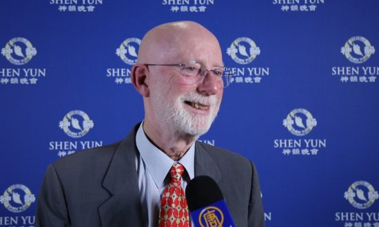 Professor Emeritus Sees Shen Yun: 'I Have Seen Angels'