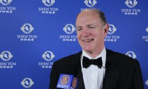 French-American Investor Experiences a Moment of 'Power and Peace' With Shen Yun