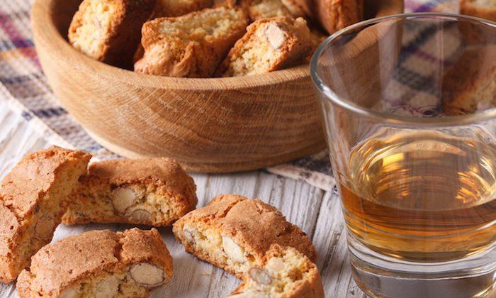 Italian almond biscotti or Cantucci. (Shutterstock)