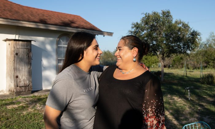 Martina Arredondo shares a moment with her daughter at her home in Rio Grande City, Texas, on Nov. 6, 2018. (Samira Bouaou/The Epoch Times)