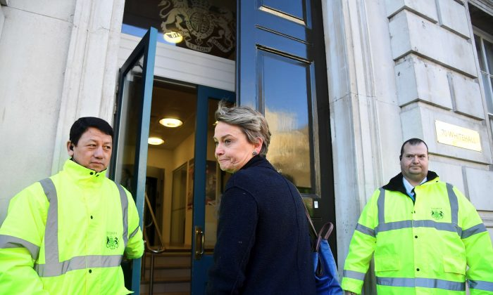 British Labour Party politician Yvette Cooper walks into the Cabinet office in London on Jan. 17, 2019. (Reuters/Toby Melville)