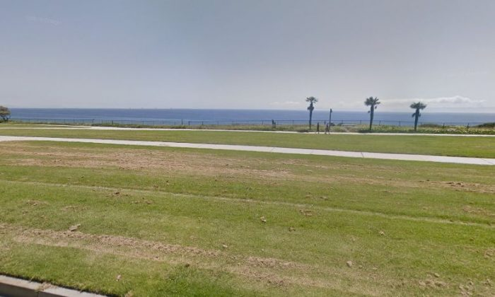 A Google Street photo shows a beach in Santa Barbara (Google Street View)