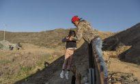 US Returns Asylum Seekers to Mexico